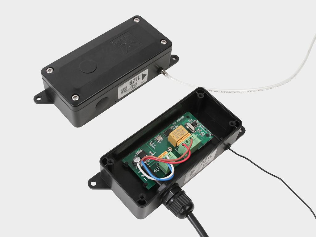 <p>Пневматическая кромка безопасности DH-Sensor-KIT для обеспечения безопасности использования секционных автоматических ворот</p>
