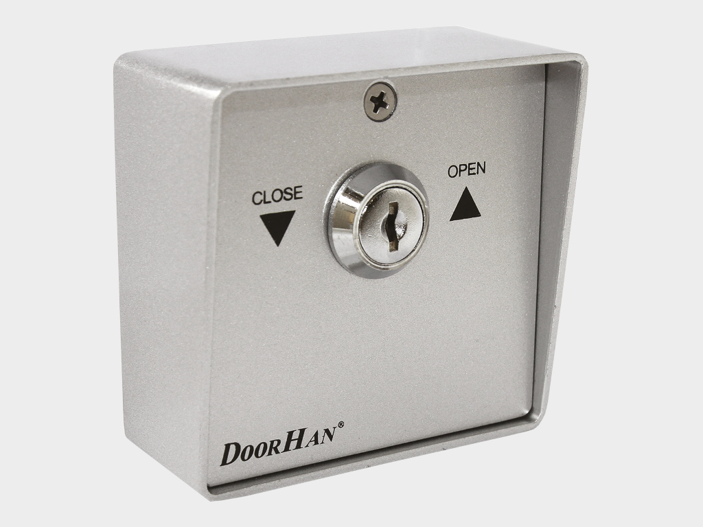 <p>Ключ-кнопка SWM для подачи управляющей команды на блок управления электропривода с помощью поворота ключа</p>