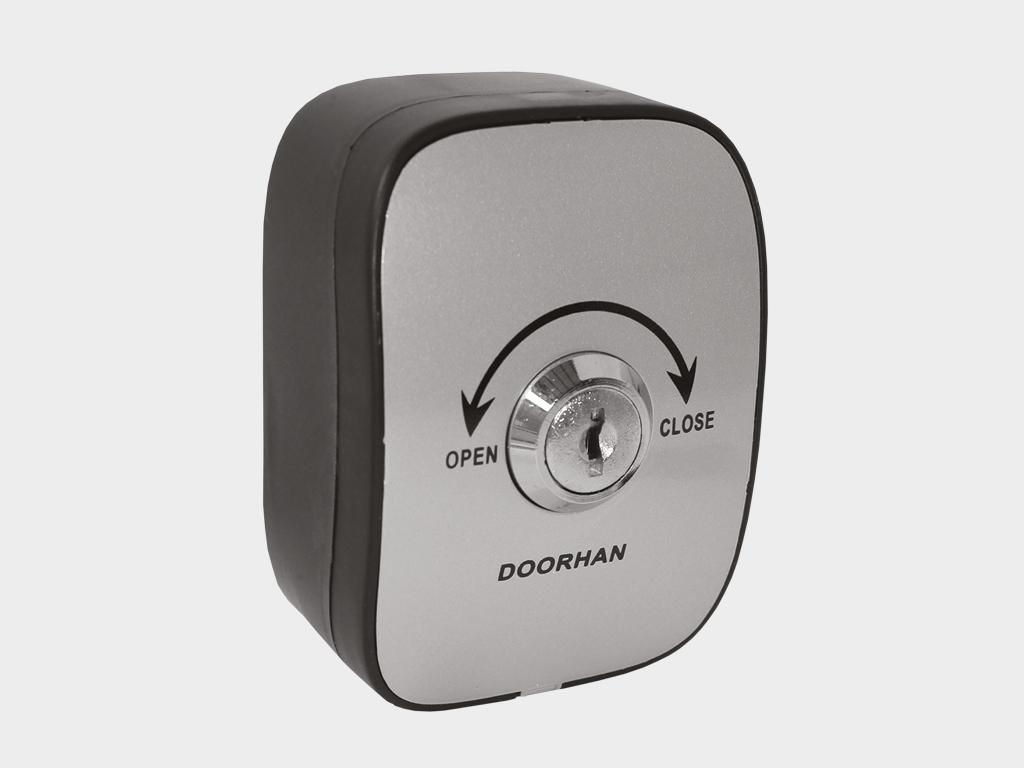<p>Ключ-кнопка (защита ключом, компактный корпус, надежный механизм, механическая блокировка)</p>